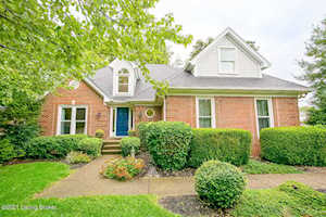 13431 Forest Springs Dr Louisville, KY 40245