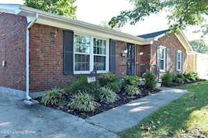 4411 Woodgate Ln Louisville, KY 40220