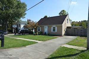 3800 Hillcross Dr Louisville, KY 40229
