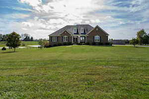 2925 Combs Ferry Rd Winchester, KY 40391