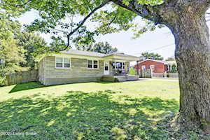 8813 Mapleview Dr Louisville, KY 40258