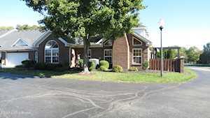 10019 Brownsboro Gardens Cir Louisville, KY 40241