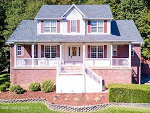 3404 Hardwood Forest Dr Louisville, KY 40214