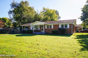 4703 Clarion Ct Louisville, KY 40216