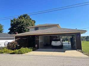 6906 Longview Beach Rd Jeffersonville, IN 47130