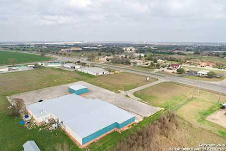 Seguin Texas Commercial Real Estate for Sale