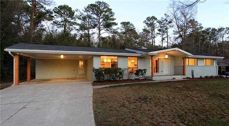 1612 Lancaster Dr Is A Homes For Sale Located In The Huntington Woods Community Of Marietta