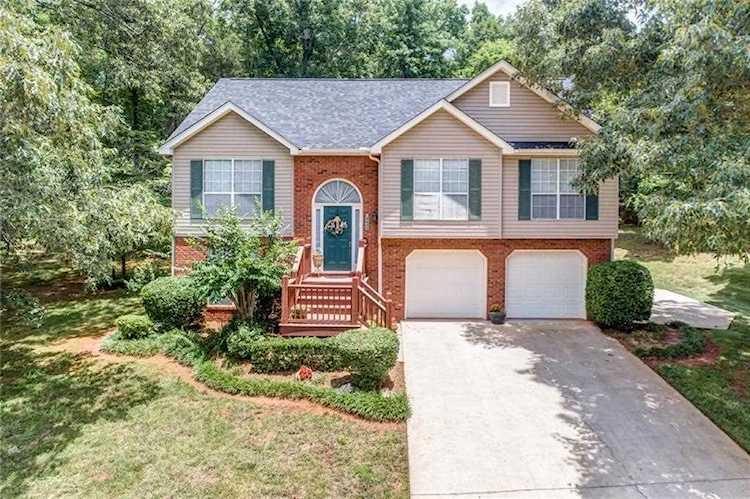 Astonishing 4433 Woodglenn Dr Gainesville Ga 30507 6027511 For Sale Premier Atlanta Real Estate Beutiful Home Inspiration Aditmahrainfo