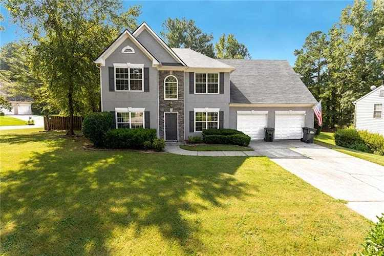 Superb 1551 Woodmore Dr Sw Marietta Ga 30008 Premier Atlanta Real Estate Home Interior And Landscaping Elinuenasavecom