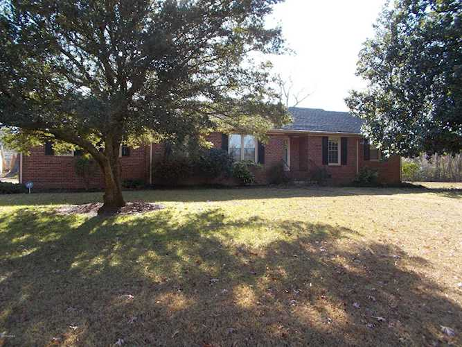 Home For Sale At 2631 Old English Lane, Kinston NC in