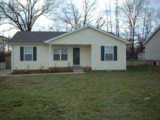 383 Cranklen Circle Clarksville, TN 37042 | MLS 1993513