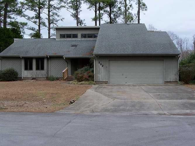 Home For Sale At 202 Outrigger Road New Bern Nc In River Bend
