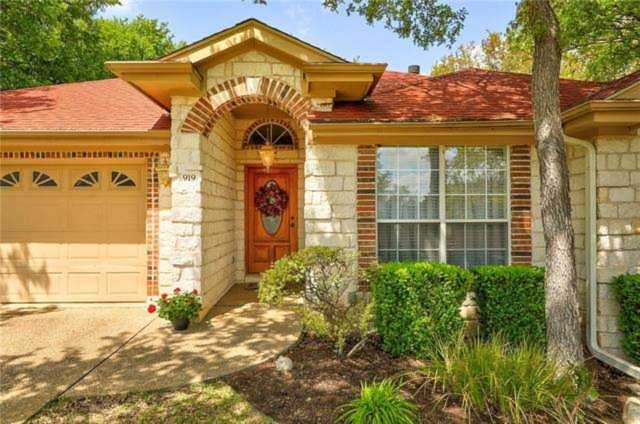 919 Stagecoach Dr Georgetown, TX 78628 | MLS 3745916