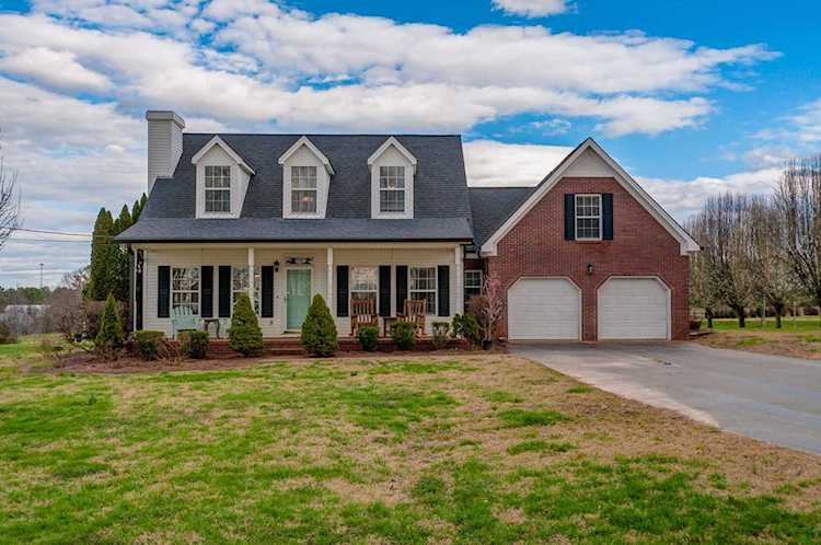 Superb 2302 Couch Ln Columbia Tn 38401 Mls 2018937 Download Free Architecture Designs Scobabritishbridgeorg