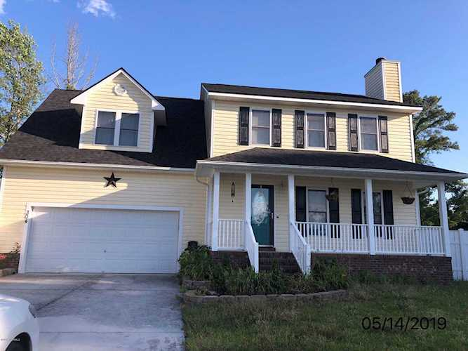 Home For Sale At 304 Softwood Court Jacksonville Nc In Raintree