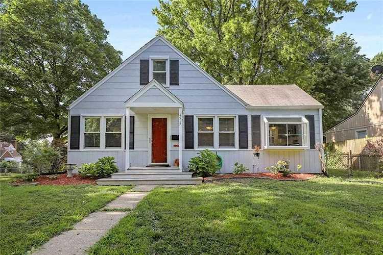 Super 4917 Gladstone Blvd Kansas City Mo 64123 Mls 2176878 Home Remodeling Inspirations Genioncuboardxyz