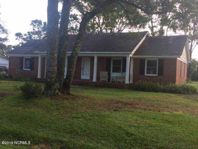 Home For Sale At 588 Robin Road, Morehead City NC in West Car Meadows