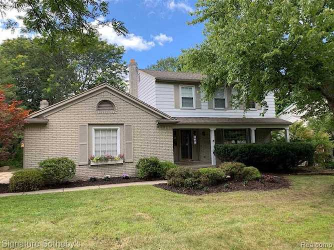 1017 Fairfax Ct Northville, MI 48167 | MLS 219091897