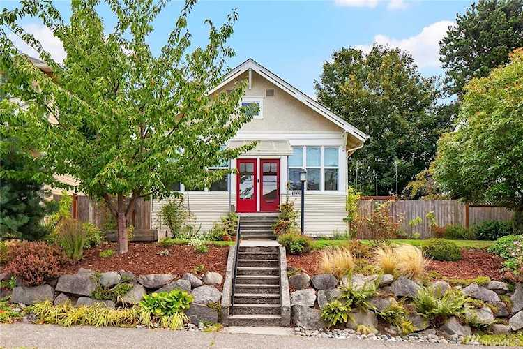 7032 25th Ave NW Seattle, WA 98117 | MLS ® 1512992