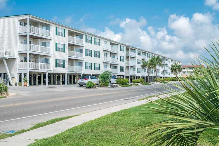 Home For Sale At 105 SE 58th Street, Oak Island Beach NC in