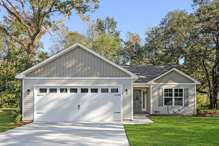 Home For Sale At 9302 Straightway Drive Leland Nc In