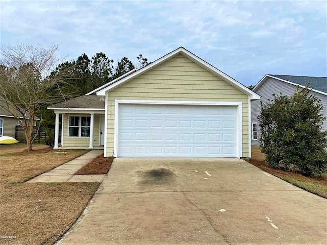 Home For Sale At 2785 Country Club Drive, Hampstead NC in ...